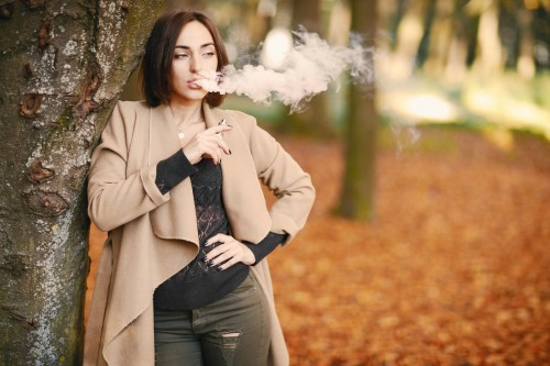 Beautiful-Woman-Vaping-Woods-Autumn4b9d1032a1b802b2.jpg