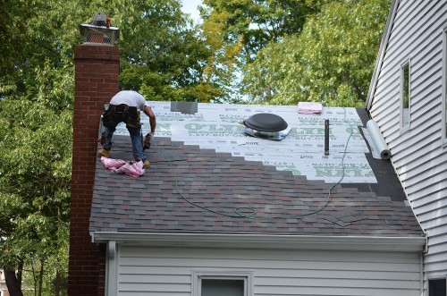 Roof-Repair-Services-in-NYC.c7bf06e3b56dcff7.jpg