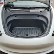 Tesla-Model-3-new-frunk-1bfca0f31601b5bc1