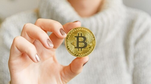 EVERYTHING-ONE-SHOULD-KNOW-ABOUT-BITCOINe33a7ae42f69f18f.jpg